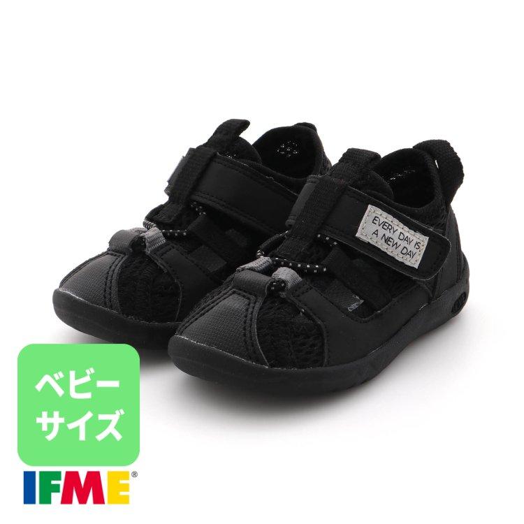 靴 スニーカー